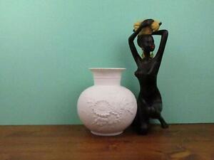 AK Kaiser Op Art Vase aus Bisguitporzellan weiss 60-er