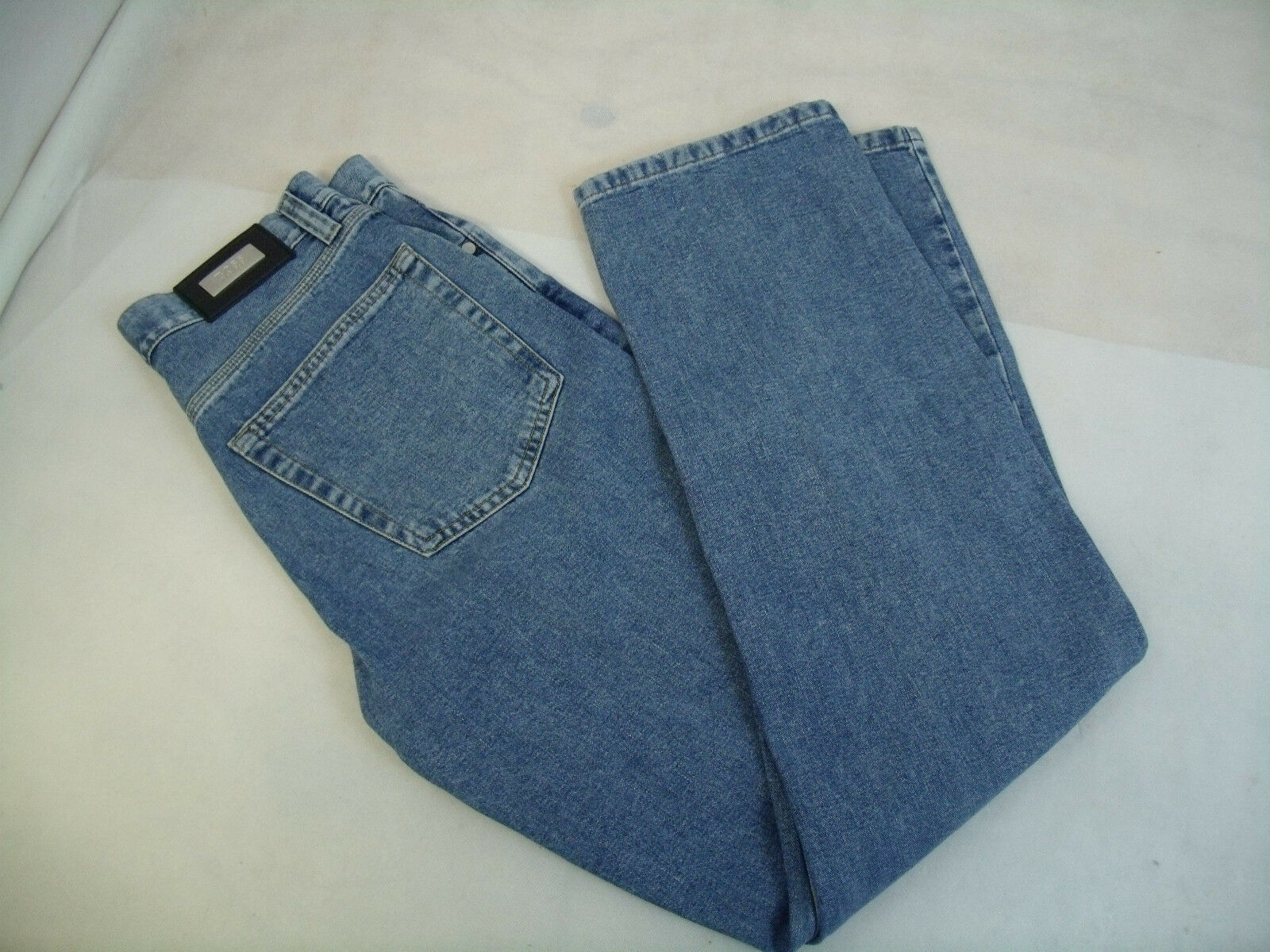 C327 HUGO BOSS ALABAMA 05060 JEANS  SIZE 30 32  MINT CONDITION