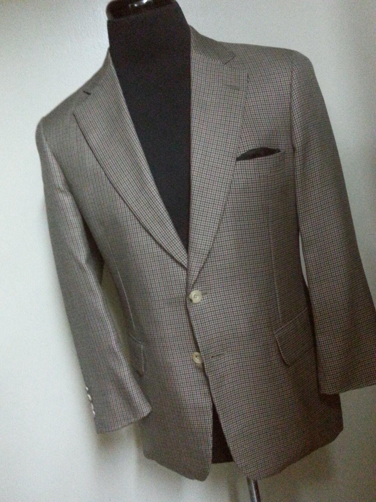PAUL STUART Tweed  Sport coat 2 Btn Center Vent  100% Wool 42 Short - Fit 42 Reg