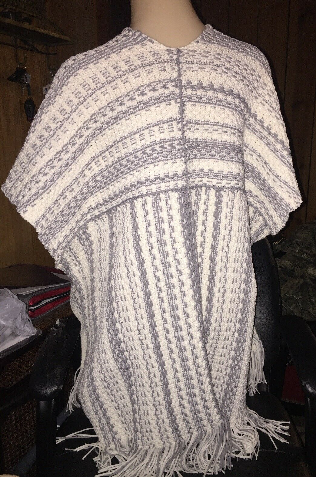 Leo & Sage Fringed Sweater Poncho NWOT Open Front Front Front One Size  495 bbf88f
