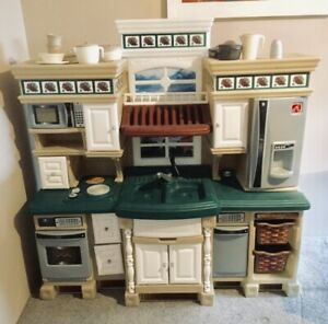 Details About Step 2 Deluxe Kitchen