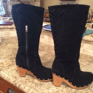 uggs tall black suede boots w wooden heels us 10 slids on the