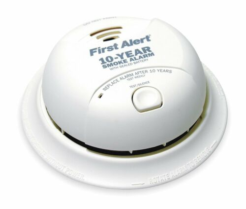 First Alert Smoke Alarm 9V 10Year Lithium Battery Powered w// Silence Button