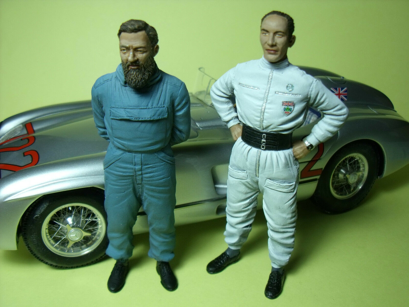 MOSS  JENKINSON  1 18  UNPAINTED  FIGURES  MADE  BY  VROOM  FOR  MERCEDES CMC