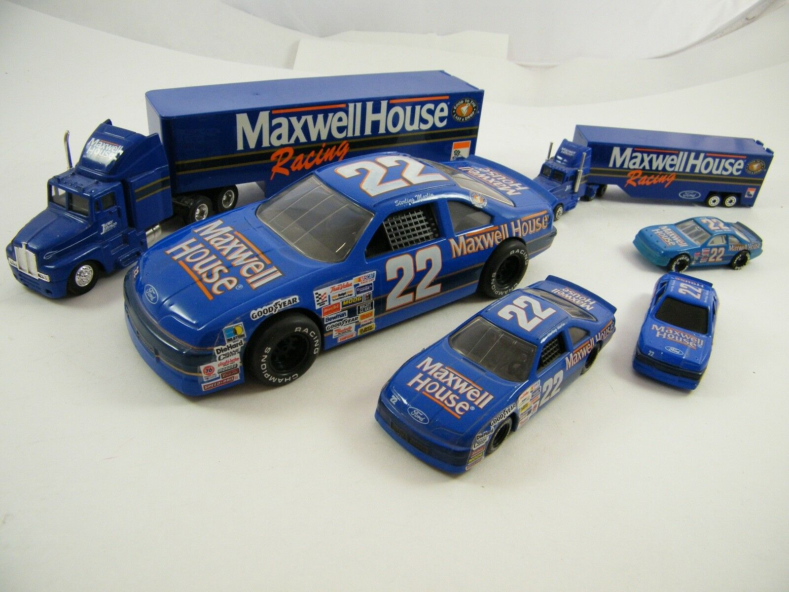 Sterling Martin  Maxwell House  22  los transportistas y coches