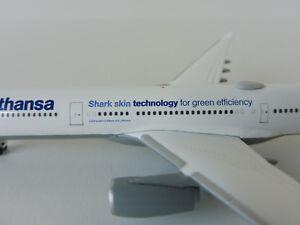 LUFTHANSA-SHARK-SKIN-Airbus-A330-300-1-500-Herpa-514965-003-A330-A-330-D-AIKB