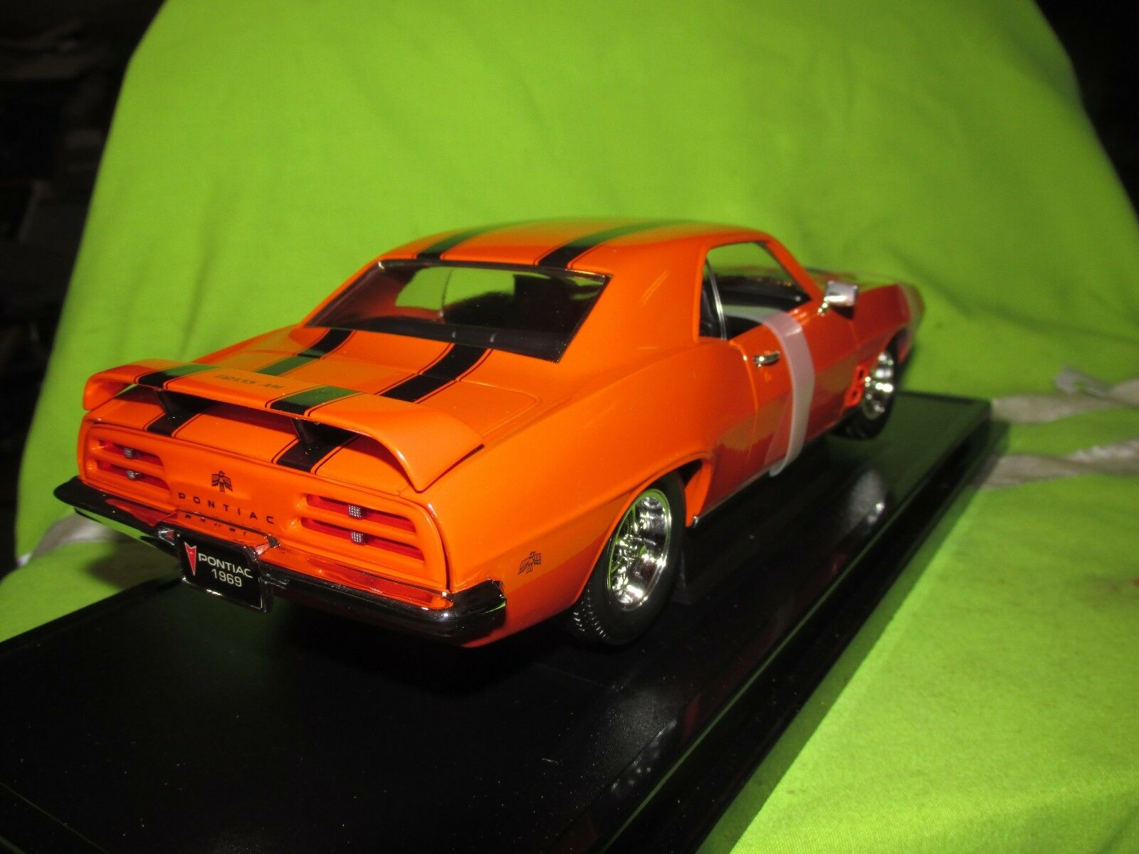 1969 firebird trans am 1 18 ROAD SIGNATURE SIGNATURE SIGNATURE YAT MING NICE DETAIL see pictures 0a18f5