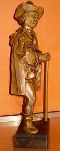Figurine-of-a-SHEPHERD-WAYFARER-ALMOEHI-Heidi-Bavaria-very-detailed