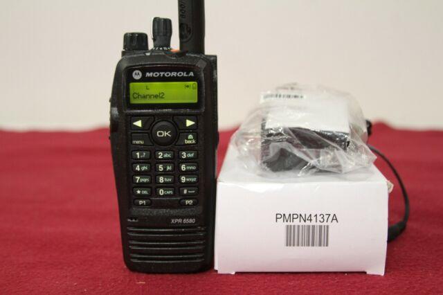 Motorola AAH55UCH9LB1AN Walkie Talkie with Display - Black