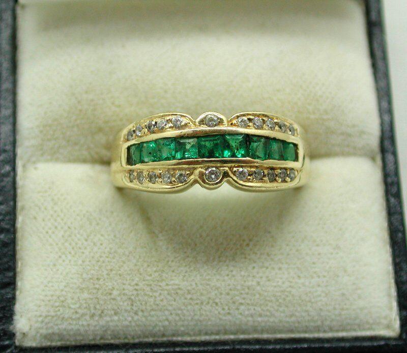 Vintage Beautiful 14 Carat gold Princess Cut Emerald And Diamond Ring Size Q.1 2