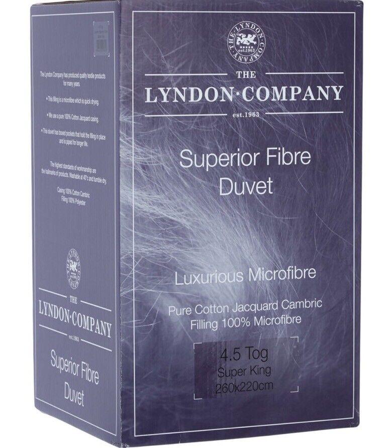 La società Lyndon Trapunta da 4.5 Tog per letto super extra large in fibra di qualità superiore Piumone