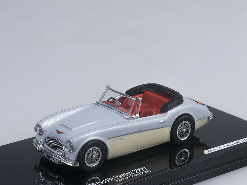 1 43 Scale model Austin Healey 3000 (Farina Grey Ivory)