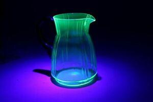 Uranglas-Krug-Uranium-Glass-Vaseline-Glass-Wasser-Kanne-Glas-gruen-Juice-Jug