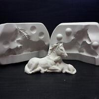 Gipsform Gießform für  Keramik  liegendes Pferd mit Fohlen L.16 cm Nr. K - 555