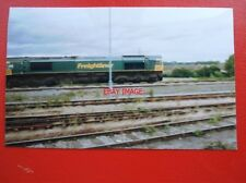PHOTO  FREIGHTLINER CLASS 66 LOCO NO 66541 AT DIDCOT 2004