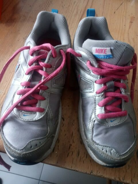 Girls Pink & Silver Nike Lace Up Sneakers Shoes Size 2 Y Nike Dart USED