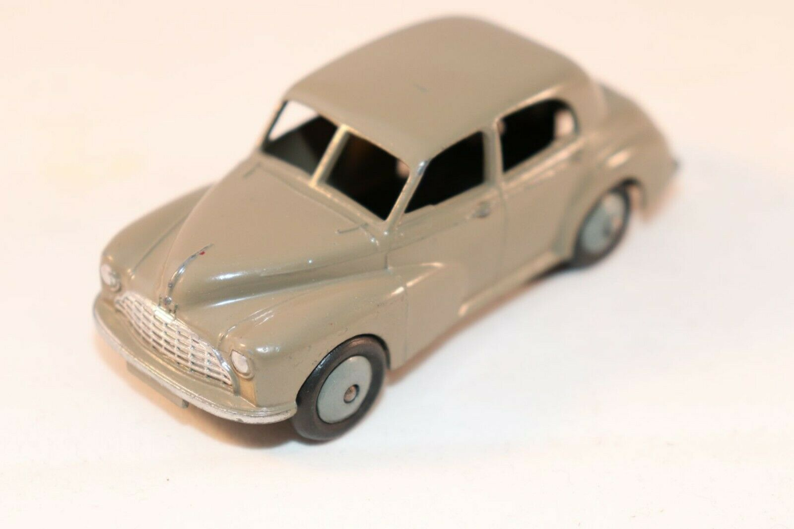 Dinky Toys 159 Morris Oxford stone grey in near mint all original condition
