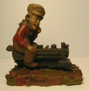 RETIRED-OLD-VINTAGE-1986-TOM-CLARK-GNOME-TRAIN-CONDUCTOR-RAILROAD-STATUE-FIGURE