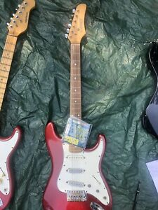RED SLAMMER BY HAMER, RED ELECTRIC GUITAR USED