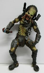 2008-WOLF-PREDATOR-FROM-AVP-8-034-ACTION-FIGURE-USED-BUT-IN-GOOD-CONDITION