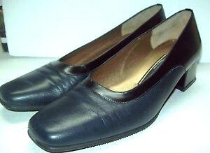 b6fd26dc7de69 ROBERTO CAPUCCI ITALIAN Pump Shoe NAVY LEATHER Classic Designer ...