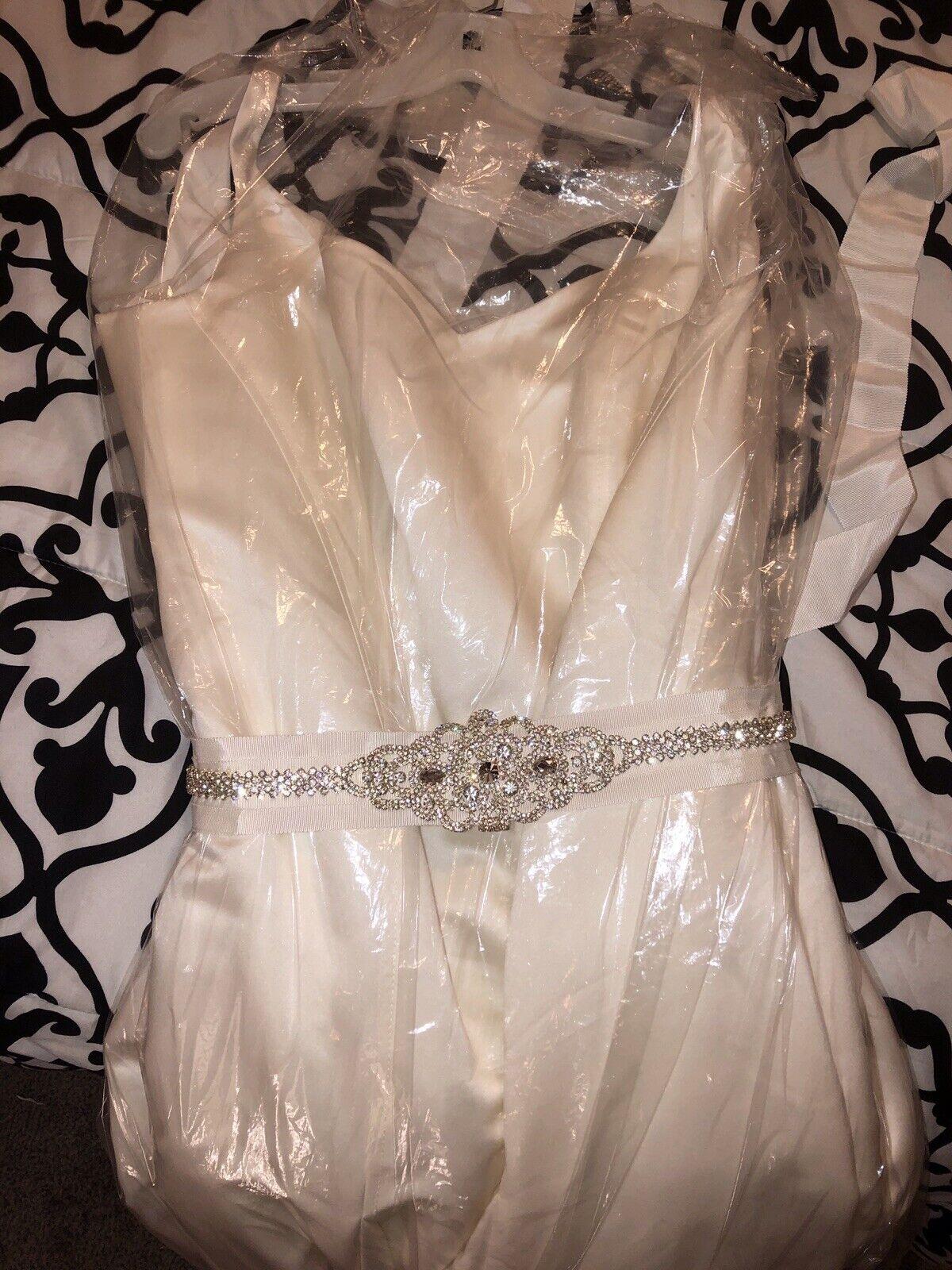 Wedding Dress David Bridal Ivory Size 16W Sleeveless With Lace Brand New w tags