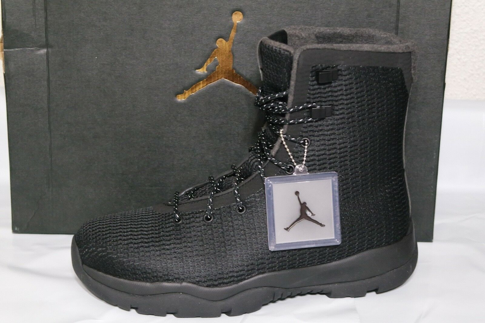 NIKE JORDAN FUTURE MENS BOOT, WATERPROOF UPPER, SIZE 8 BLK DARK GREY, 854554 002