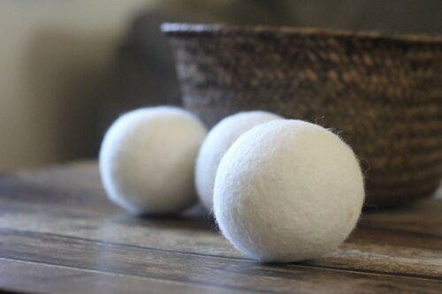 Snow White Felt Balls 2 cm home Crafts Nursery  Christmas Garland Pom Pom Balls
