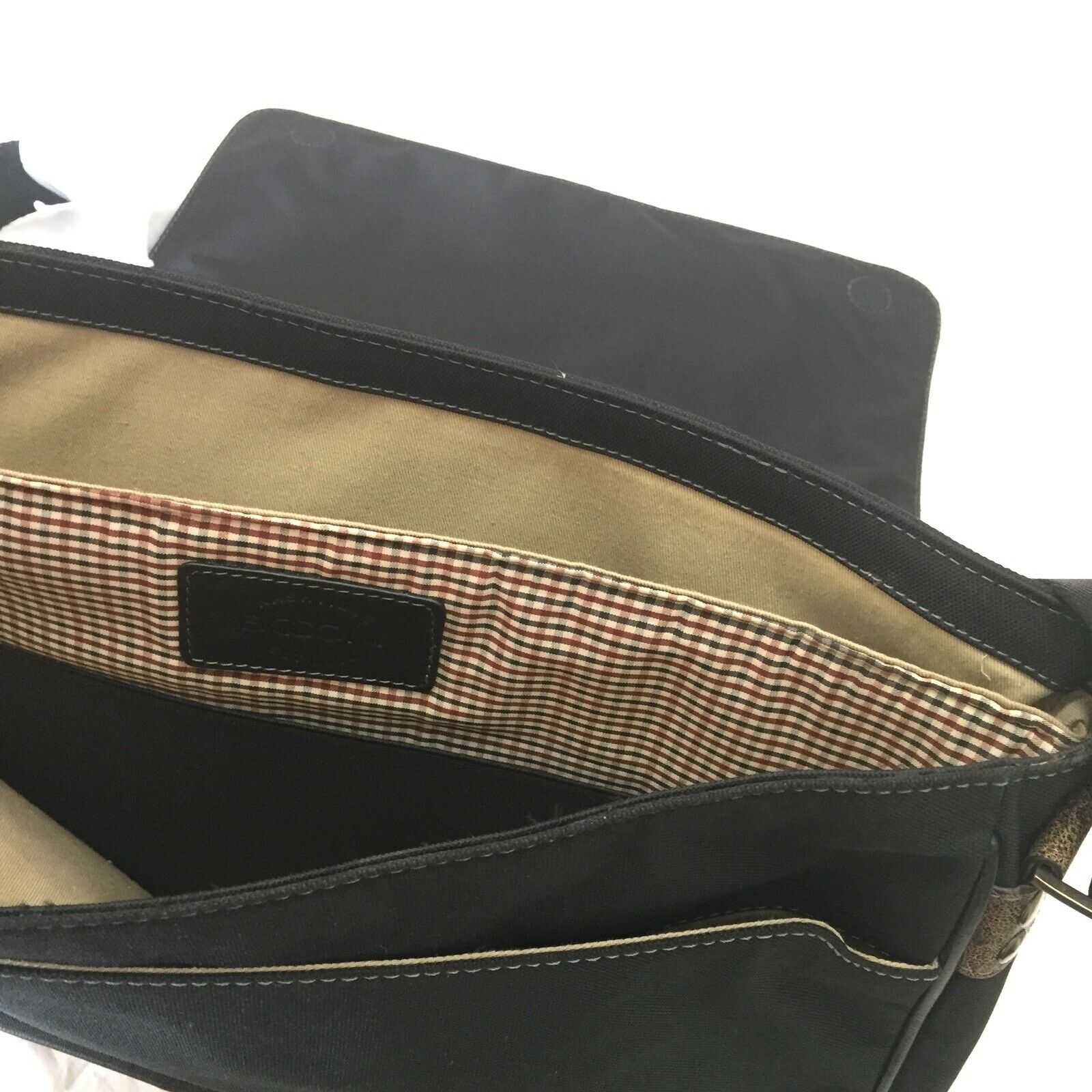 Boconi Tyler Tumbled Slim Mailbag Messenger in Black w//Khaki