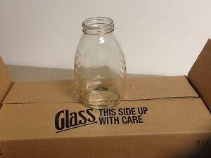 Honey bottles 1 Lbs Queen line Glass With Plastic Lids