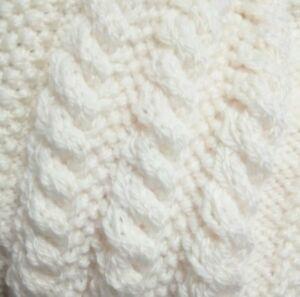 check-out c696d 9d4ce Dettagli su Cavo facile Sciarpa in Maglia Aran modello dritto ago  Principiante Cavo Pattern- mostra il titolo originale
