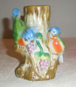 Vintage-Porcelain-Vase-Parrots-Eat-Fruit