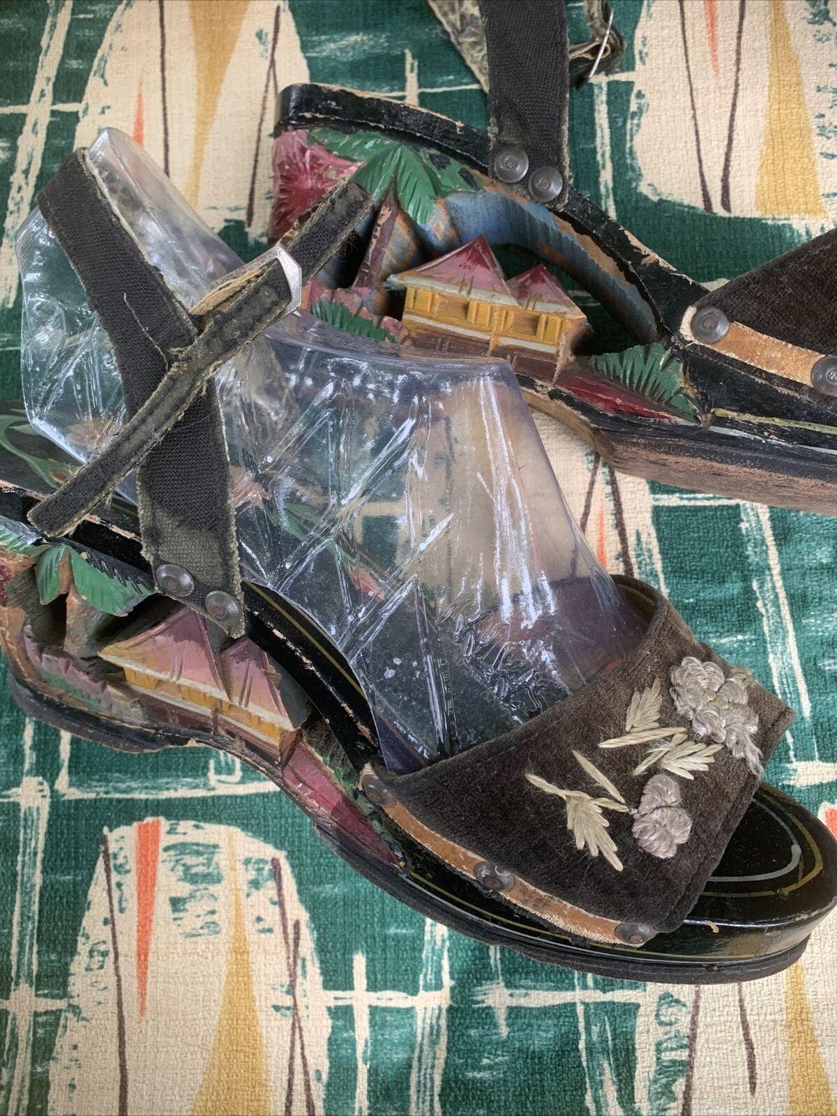 Vintage carved japanese sandals 1940's - image 2