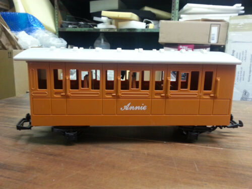 Lionel G Scale Thomas and Friends Annie Passenger Car
