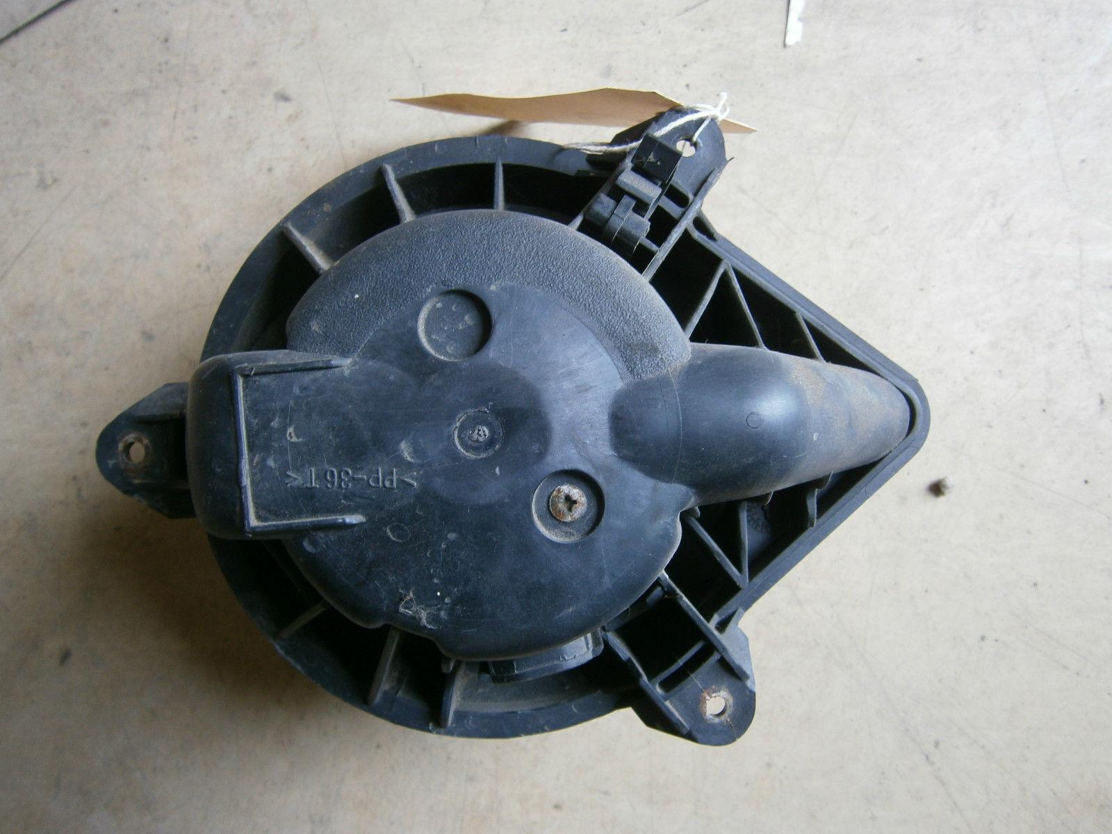 GENUINE Vauxhall Vivaro A Blower motor