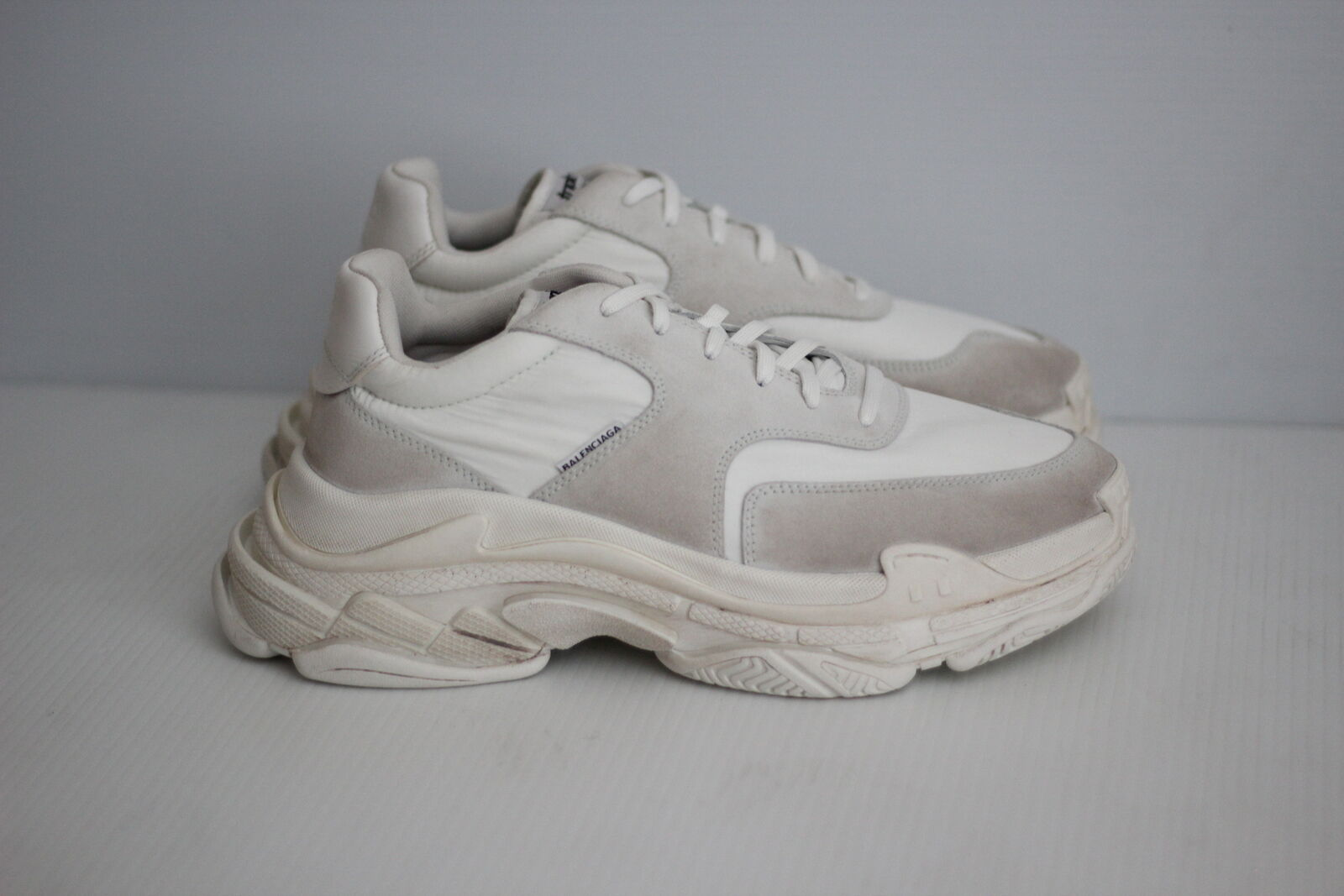 Authentic Balenciaga 2018 TrIple S Sneakers Trainers - Blanc White - 11US / 44