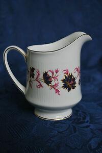 Paragon-Tea-China-034-Michelle-034-Pattern-1-2-pint-Milk-Jug-Cream-Jug-503