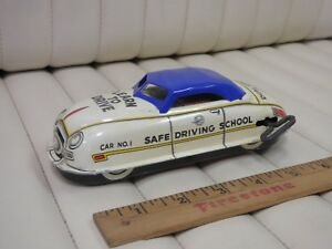 1950s-MARX-Safe-Driving-School-Tin-Lithographed-Wind-Up-Car