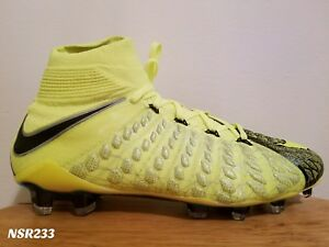 16689ce9ee1 where can i buy image is loading nike hypervenom phantom 3 df se fg ea 7ac60