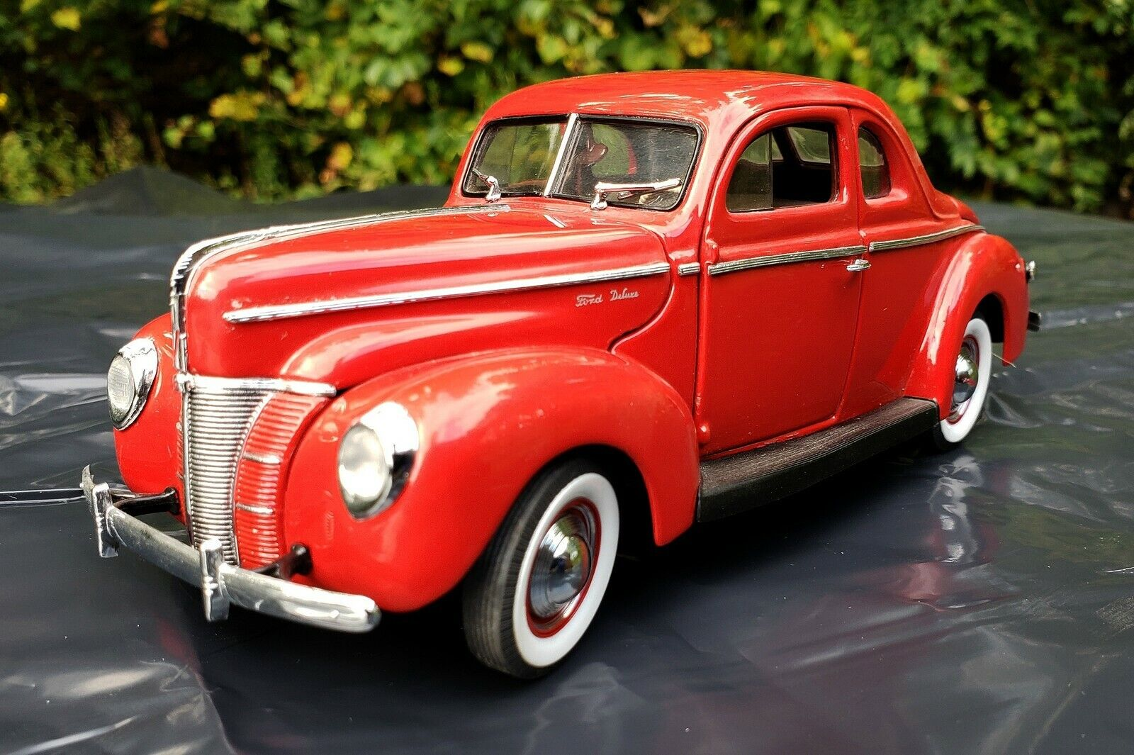 1940 FORD DELUXE COUPE 1 24 DANBURY MINT DIE CAST