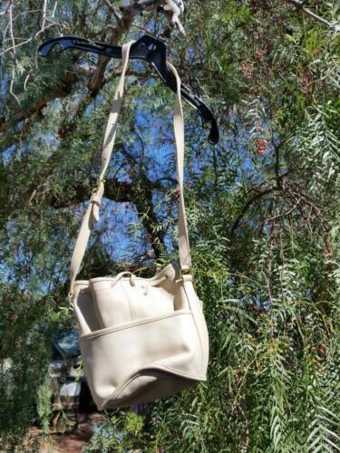 Vintage COACH Bucket Handbag Purse Off-White