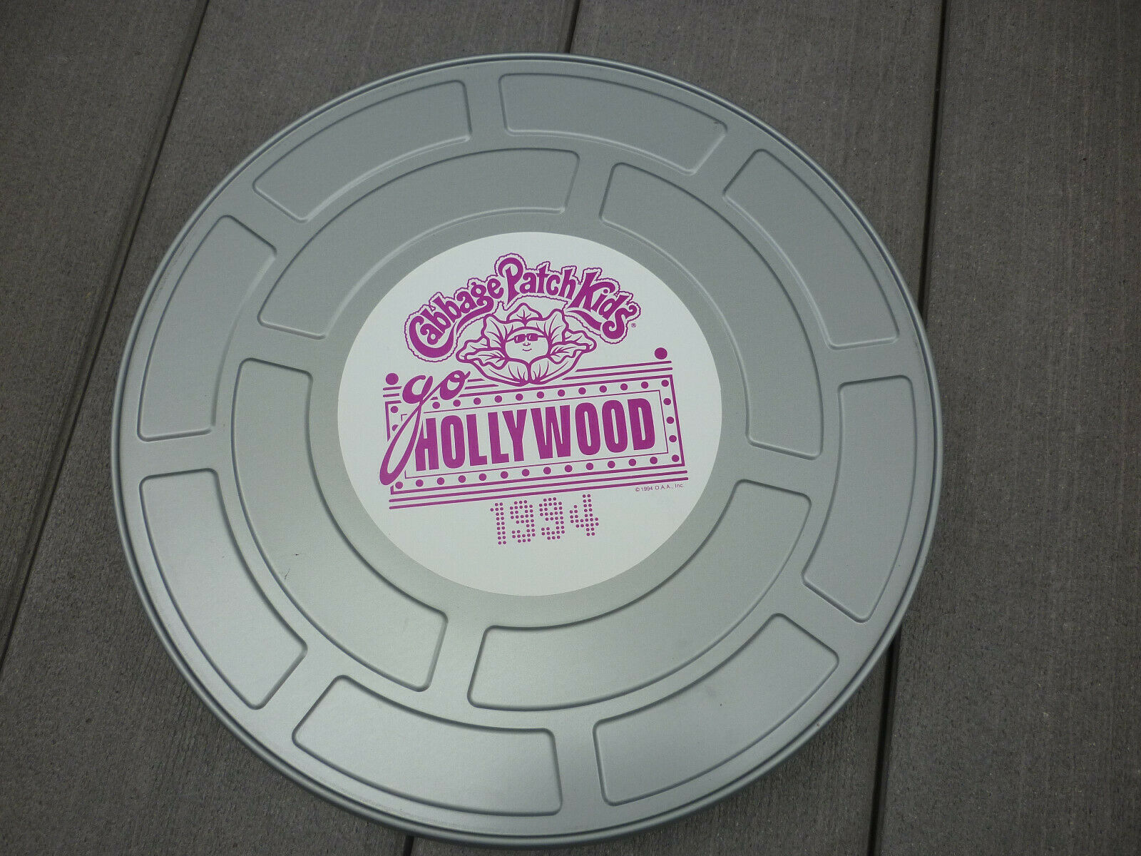 Cabbage Patch Kids Go Hollywood 1994 comprimidos Cannister Pin Etiqueta Memoribilia Lote