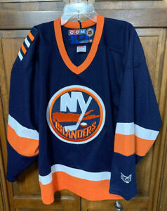 CCM-Maska-New-York-Islanders-NY-NHL-Jersey-Men-Small-S-Hockey-Embroidered-Canada