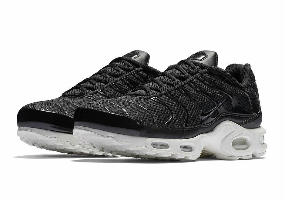 NEW Sz 9.5 Nike Air Max Plus TN Tuned Men's Black Summit White 898014-001 Casual wild