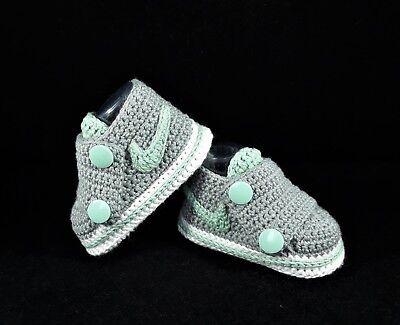 Babyschuhe / Turnschuhe gehäkelt ( Handarbeit ) Grau, weiss,Mint Grün Neu!!!