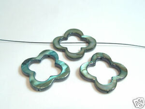 4-x-25mm-Dyed-Shell-Flower-Donut-Beads-09-Forest-Green