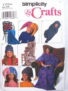 Simplicity-Crafts-Sewing-Pattern-7406-Fleece-Blankets-Baby-Hats-Tote-Uncut