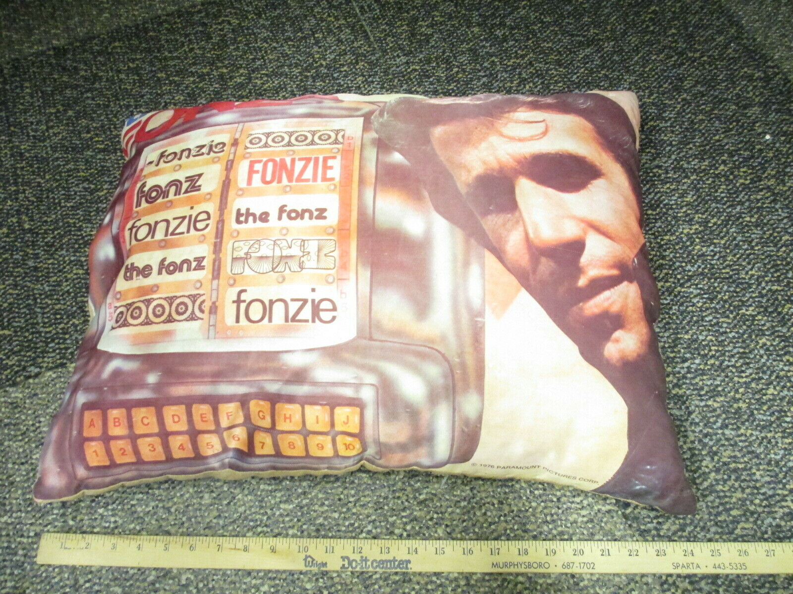 HAPPY DAYS The Fonz Henry Winkler 1976 Paramount LARGE pillow Wurlitzer juke box