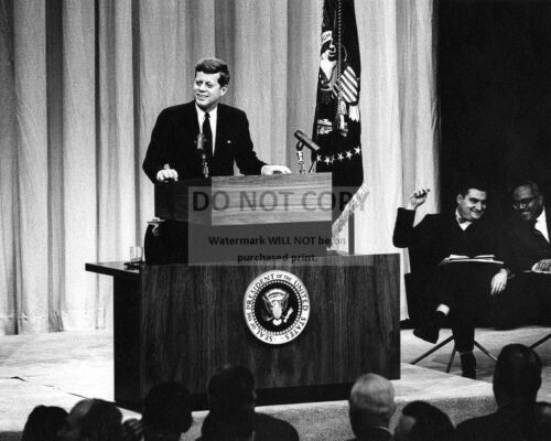 8X10 PHOTO BB-361 JOHN F KENNEDY SMILES FROM STAGE AT PRESS CONFERENCE