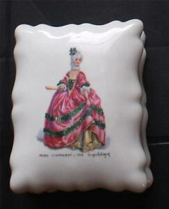 Vintage FD VERIRABLE PORCELAINE France ROBE d'APPARAT Trinket Box&Lid #554